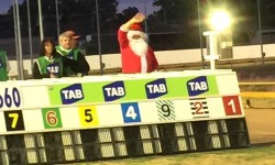 Santa and Hit The Highway – two stars of Christmas race meeting